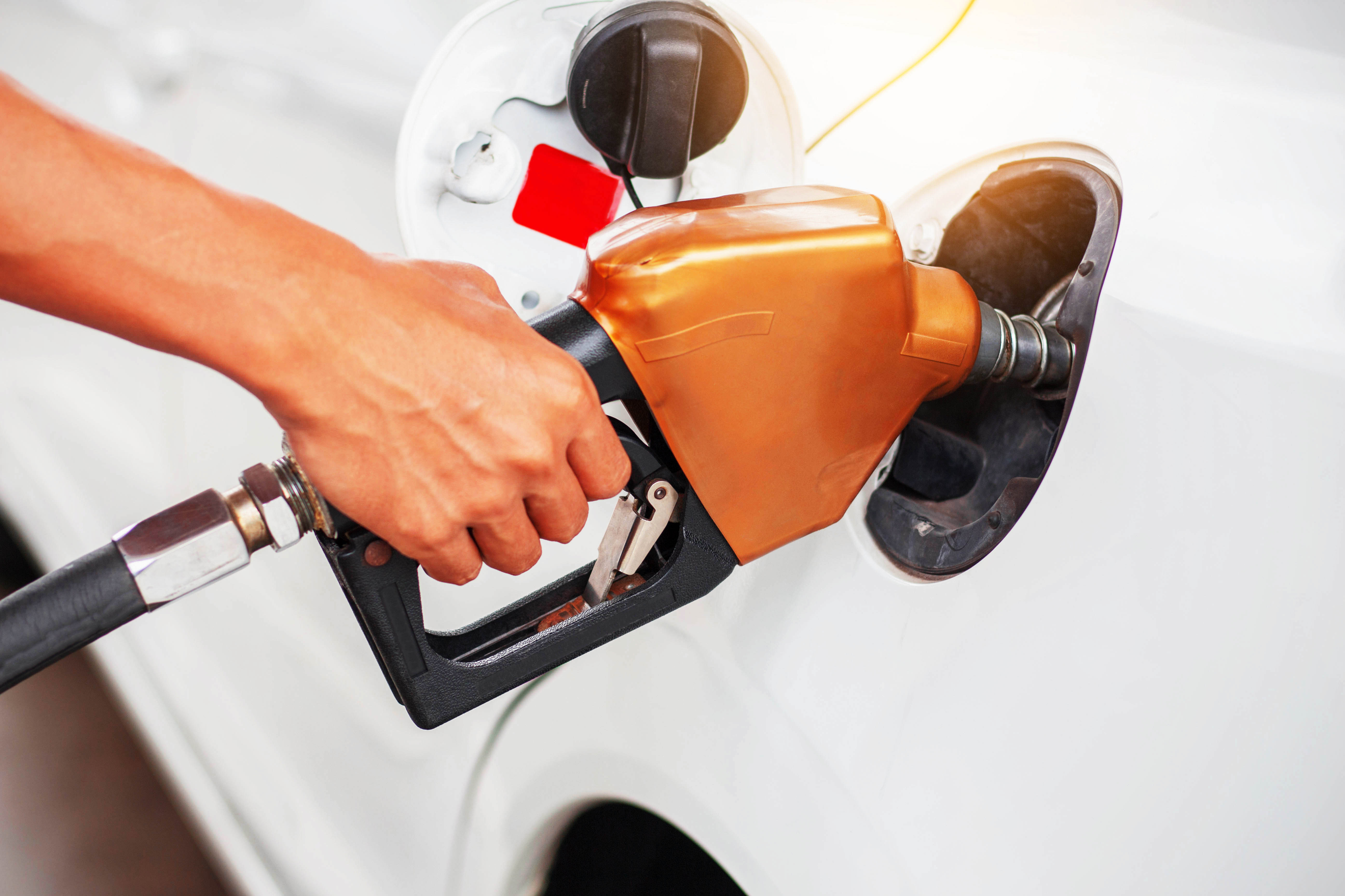 handle-fuel-in-the-car-P8EXEVP